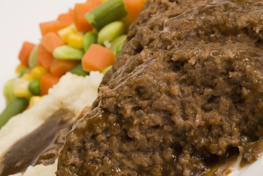 meatloaf with mashed potatoes and vegetables