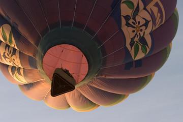 Foto op Canvas Luchtsport hot air balloon rising