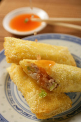 Three spring rolls with dip