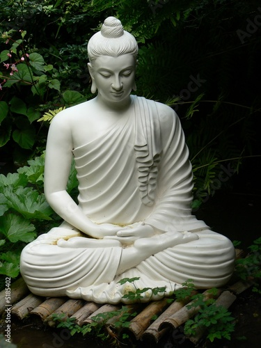 buddha statue stockfotos und lizenzfreie bilder auf bild 5185402. Black Bedroom Furniture Sets. Home Design Ideas
