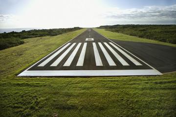 Fotobehang Luchthaven Airplane landing strip.