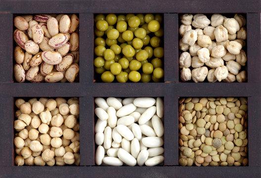 Caja con legumbres
