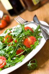 salat mit tomaten rucola parmesan olivenöl balsamico