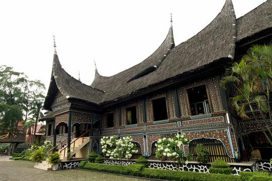 minangkabau batak house style