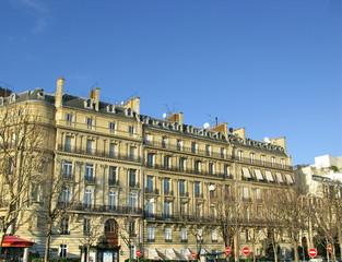Rue parisienne, 8ème