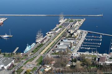 Obraz Widok na port miejski w Gdyni z samolotu - fototapety do salonu