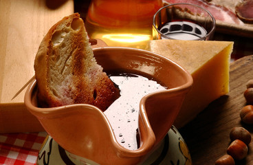 Toasted bread in red wine jar (Istarska supa)