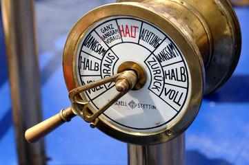 Nostalgisches Schifffahrtsinstrument