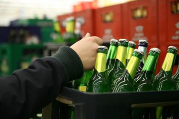 На курской АЗС круглосуточно торговали алкоголем