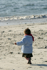 fillette sur la plage