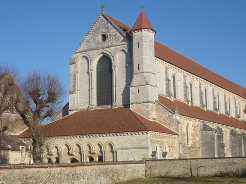 Pontigny