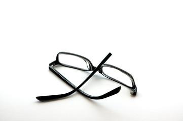 Broken eyewear
