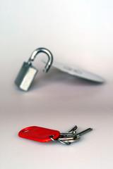 Schlüssel und Schloß mit CD