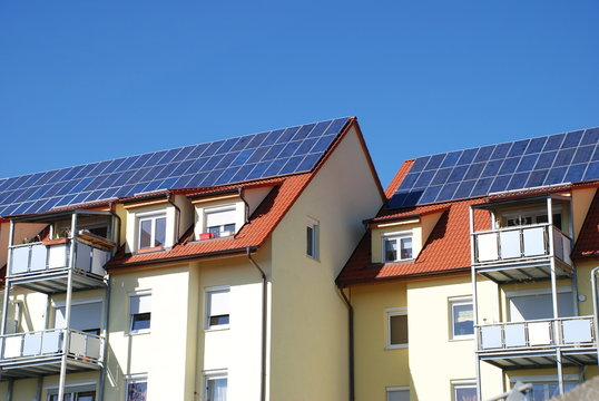 Solaranlage auf Mehrfamilienhaus