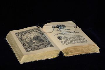 Im heiligen Buche