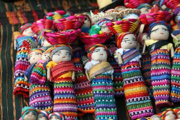 Poupées au Guatemala