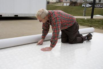 Installing vinyl flooring