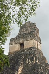 temple maya à tikal