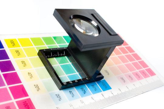 loupe quadri couleur nuancier imprimerie trame fil