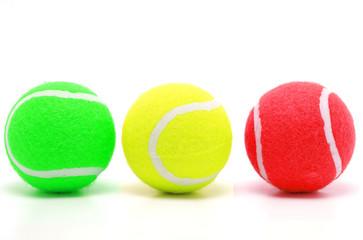 Bunte Tennisbälle