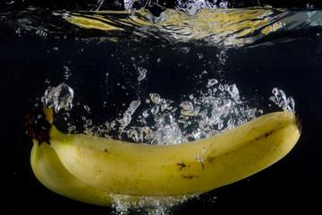 Poster de jardin Eclaboussures d eau Splashing banana