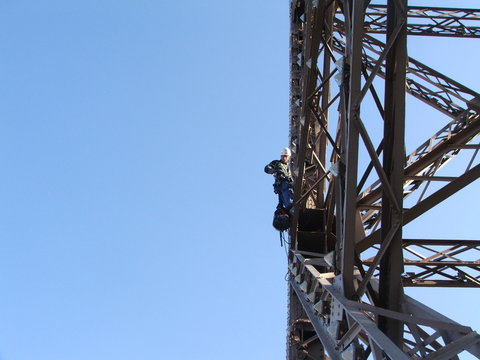 Cordiste sur la Tour Eiffel