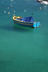 Fischerboot im Hafen auf Malta