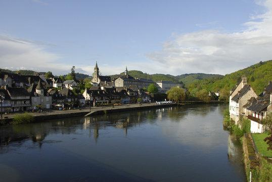 Argentat, vue sur la Dordogne