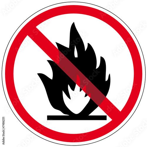 offenes feuer verboten stockfotos und lizenzfreie vektoren auf bild 7486251. Black Bedroom Furniture Sets. Home Design Ideas