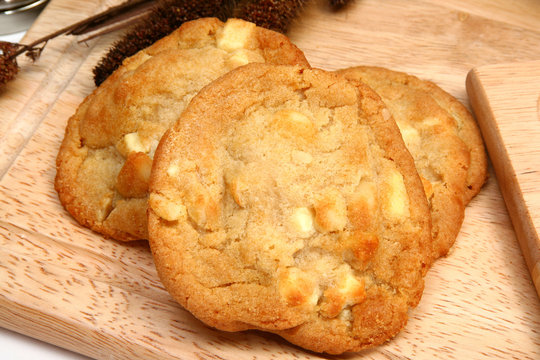 Macadamia Nut and White Chocolate Cookies