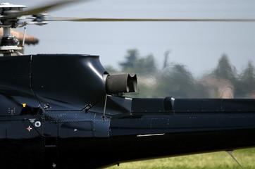 Elicottero coda motore