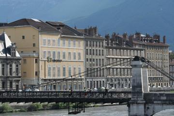Les quais de Grenoble