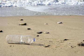 pollution de la plage