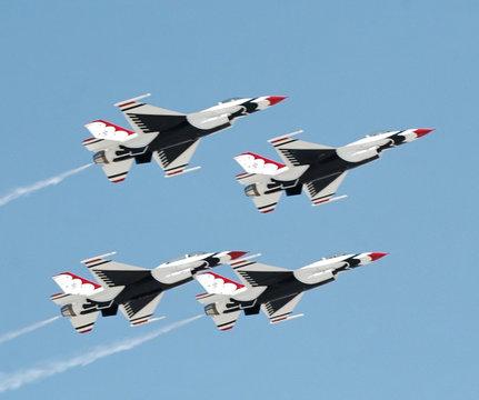 Flight of 4 USAF Thunderbirds