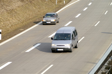 Autos auf der Autobahn 3