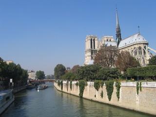 Notre Dame und die Seine