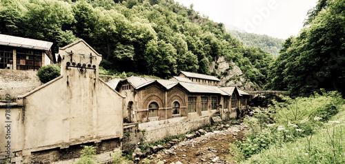 Ancienne usine d saffect e en chartreuse is re photo libre de d - Acheter ancienne usine ...