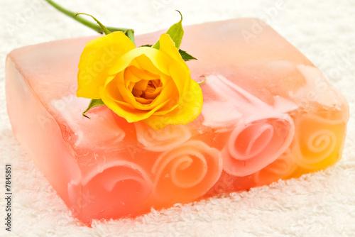 Мыло ручной работы с вплавлениями