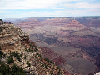 Grand Canyon américain et touristes