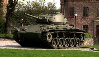 Tank U