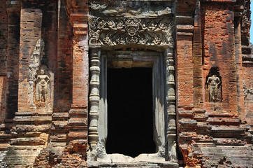 Cambodia Angkor Roluos the Bakong temple carved entrance