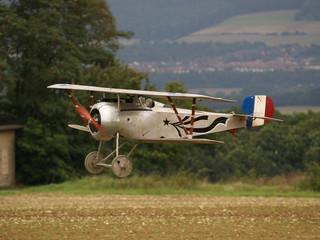 Doppeldecker - Modellflugzeug