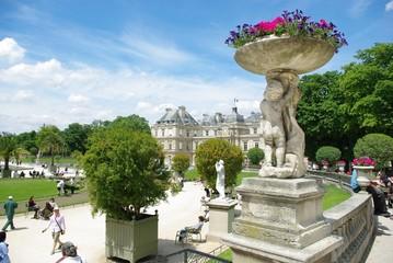 Statue Jardins du Luxembourg Paris