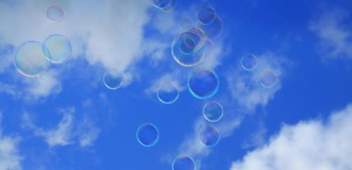 fliegende Seifenblasen