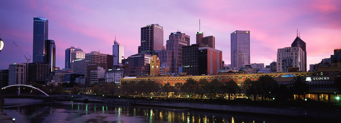 Foto op Plexiglas Purper panorama of melbourne city
