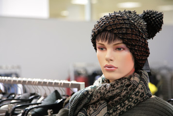 woman mannequin in trendy hat