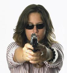 ragazza con pistola