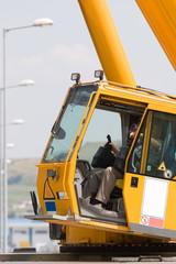 Driving crane