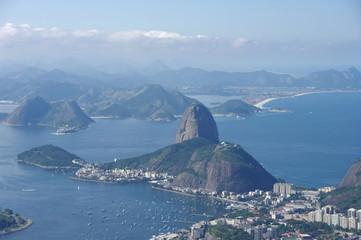Pain de sucre dans la baie de Rio, Brésil.