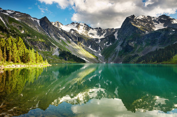 Fototapete - Beautiful lake in Altai mountains